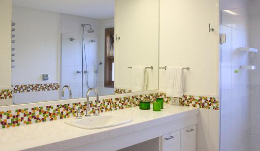 Banheiro com Pastilhas de Vidro Cristal VIII