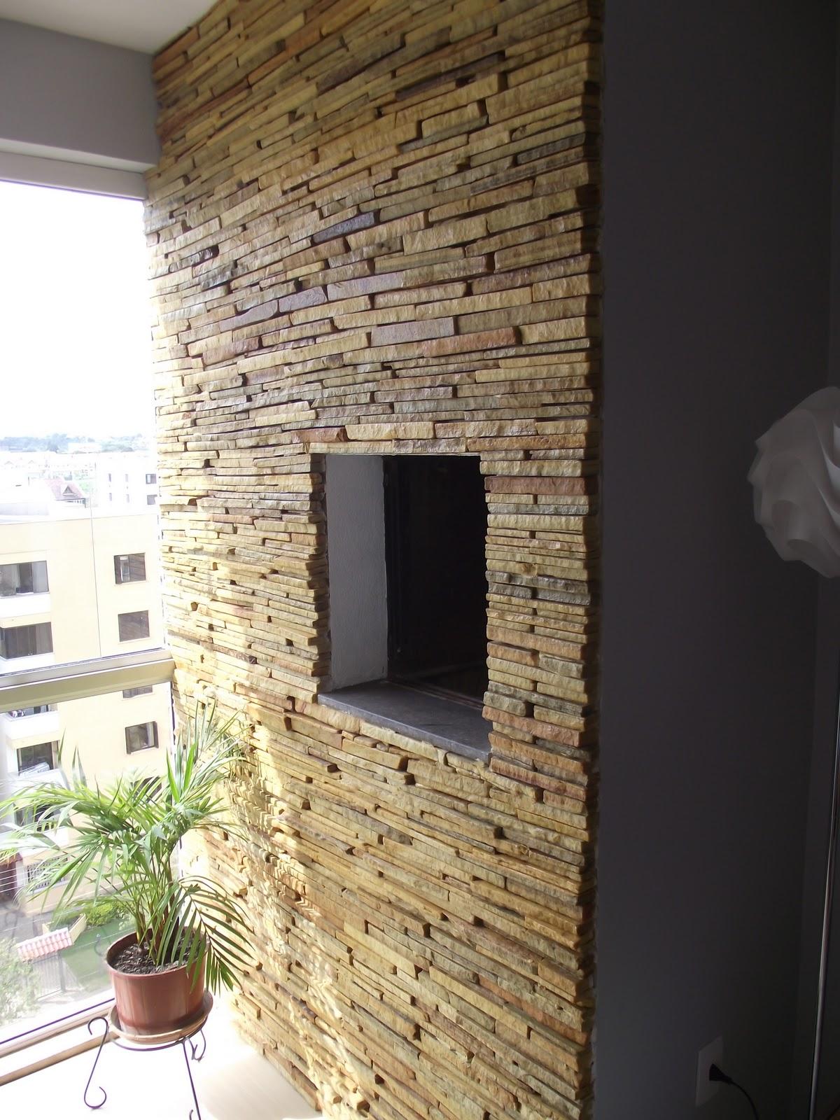 Churrasqueira revestida com mosaico de pedras I