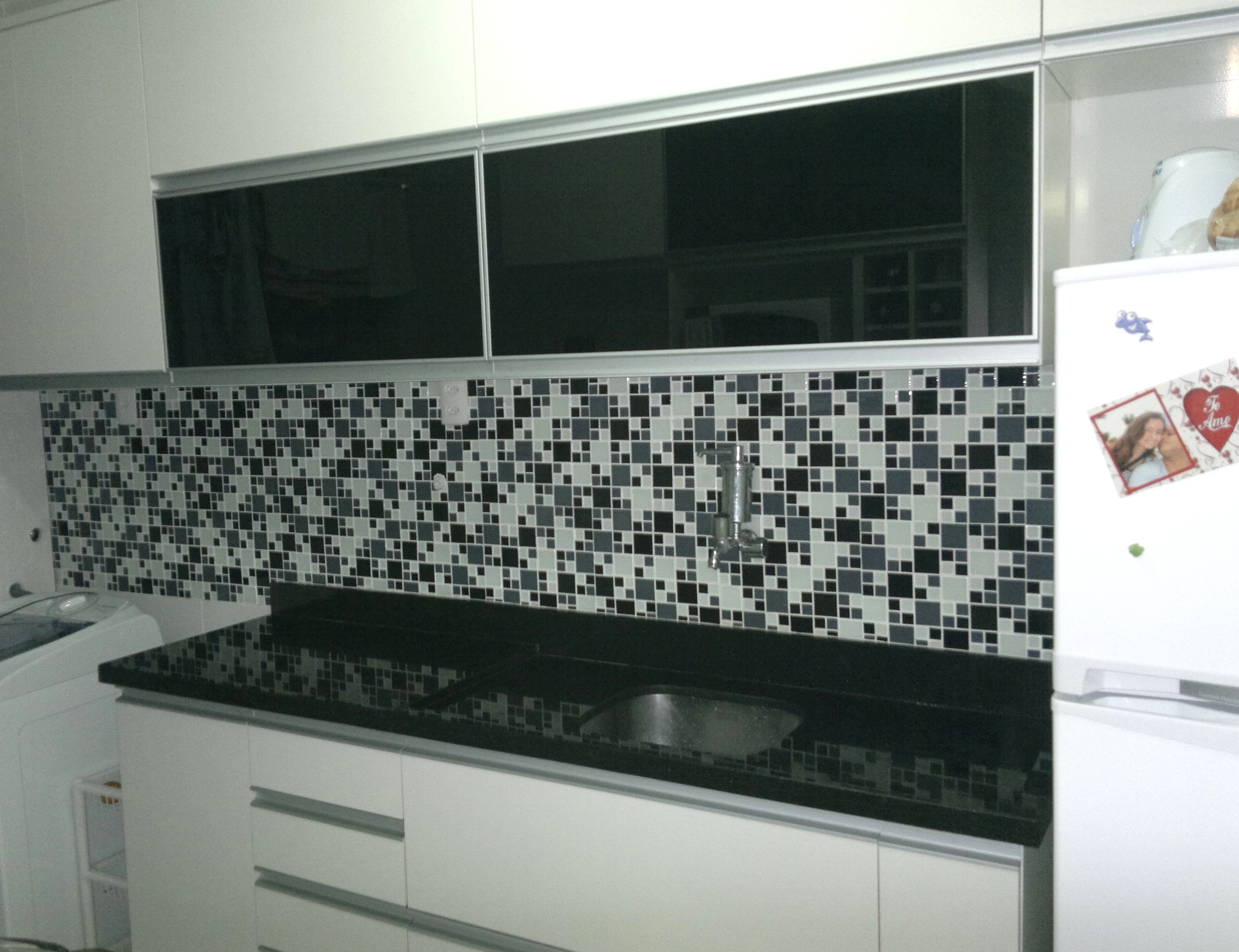 Cozinha com Pastilhas de Vidro - Nadija BA