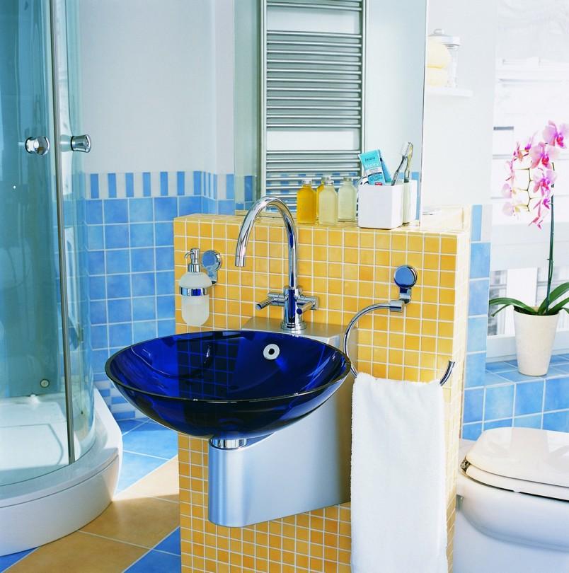 Banheiro Azul e Amarelo