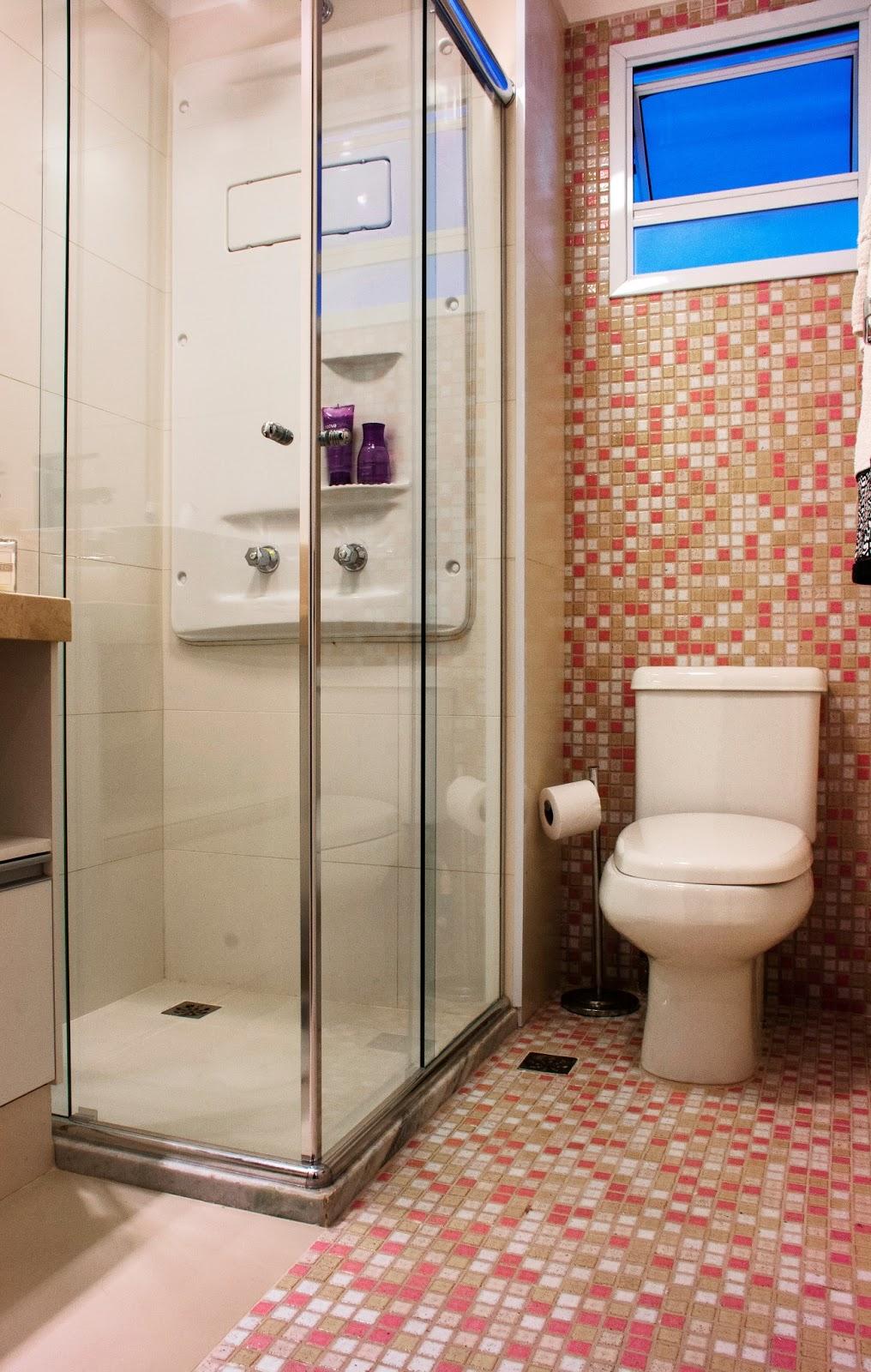 pastilhas-chao-banheiro-rosas