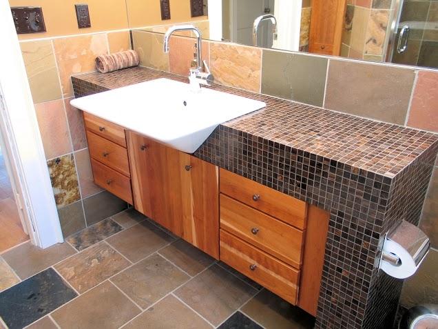Banheiro com Pastilhas de Vidro - 029