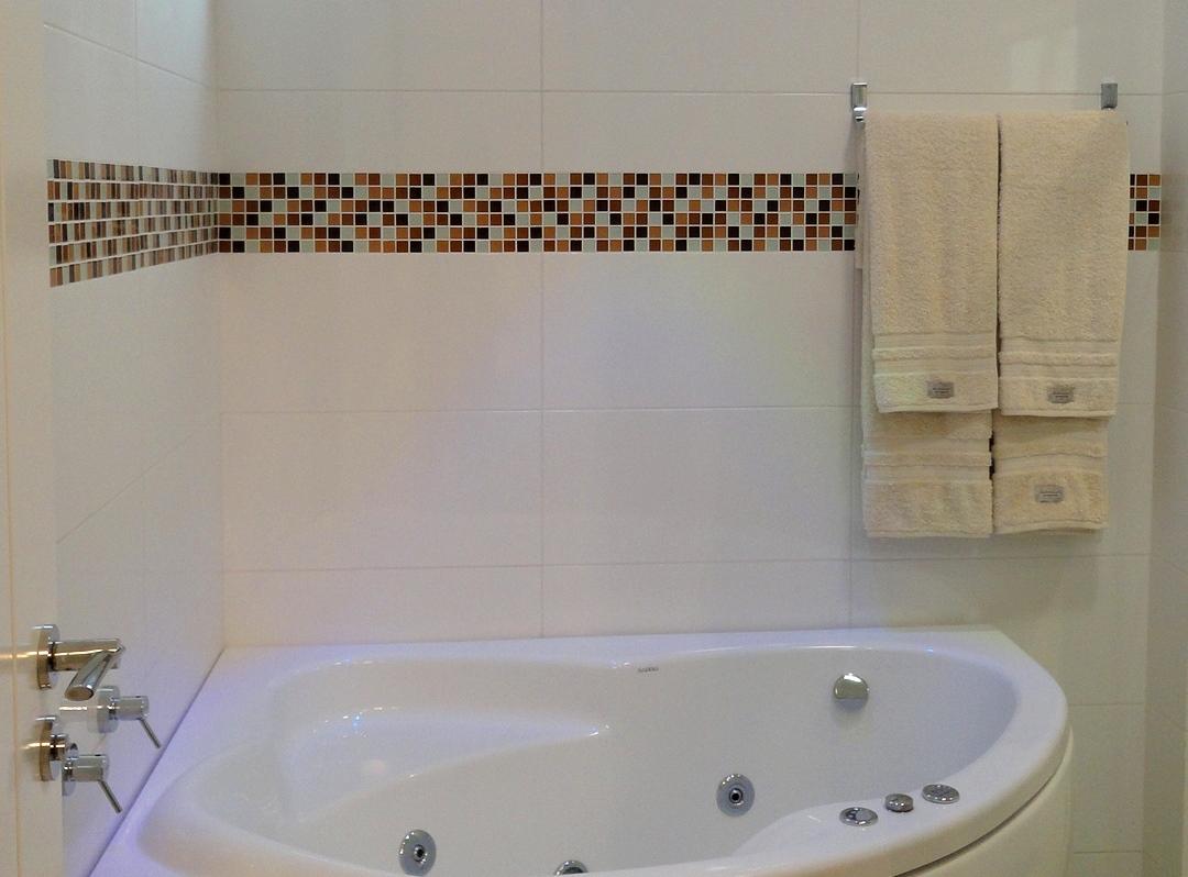 Banheiros Revestidos Simples : Banheiros com pastilhas de vidro casinha bonita