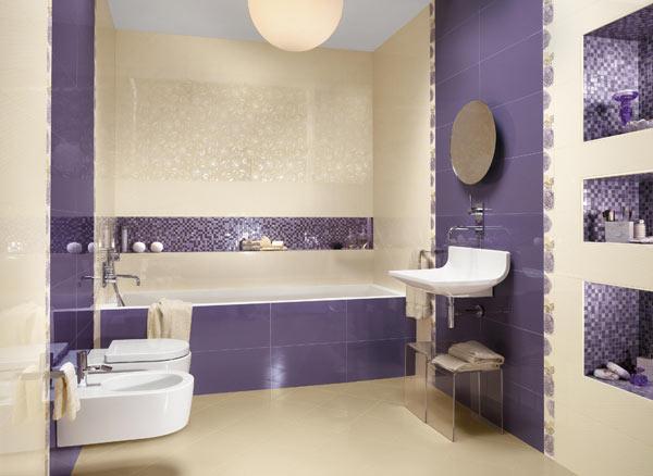 Banheiro em Violeta e Creme