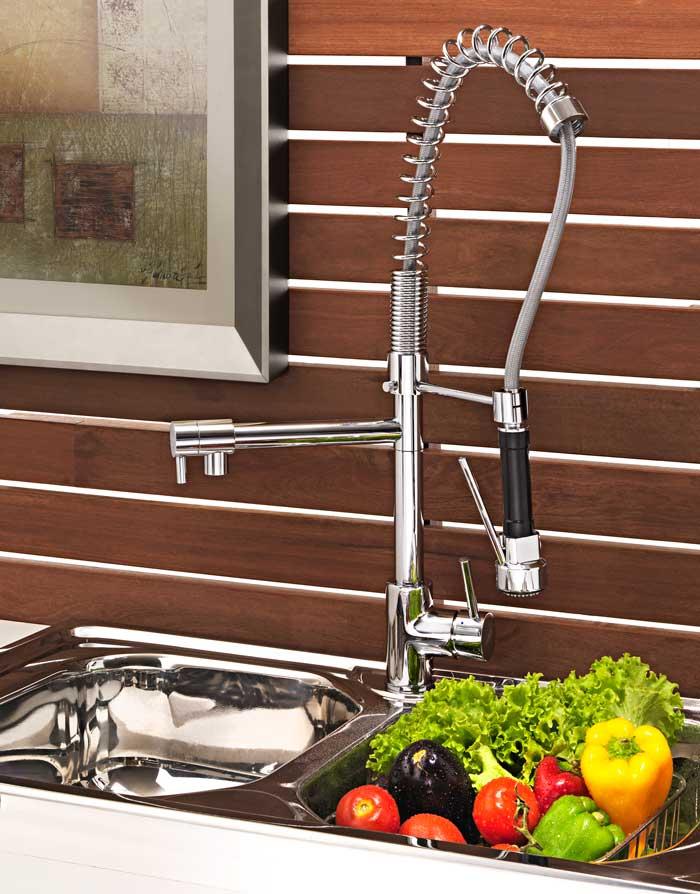 misturador-torneira-monocomando-para-cozinha-com-ducha-movel-e-bica-giratoria-190415-aplicado