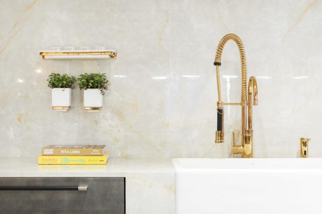 Dosador de detergente embutido Dourado Dispenser detergente embutido Dourado