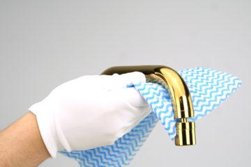 como limpar metal espelhado
