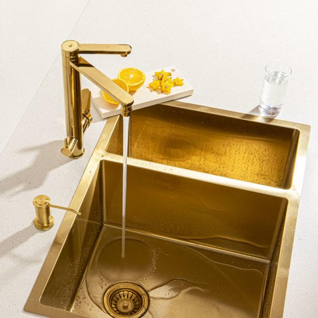 Bancada cozinha cuba torneira dosador de detergente dourada